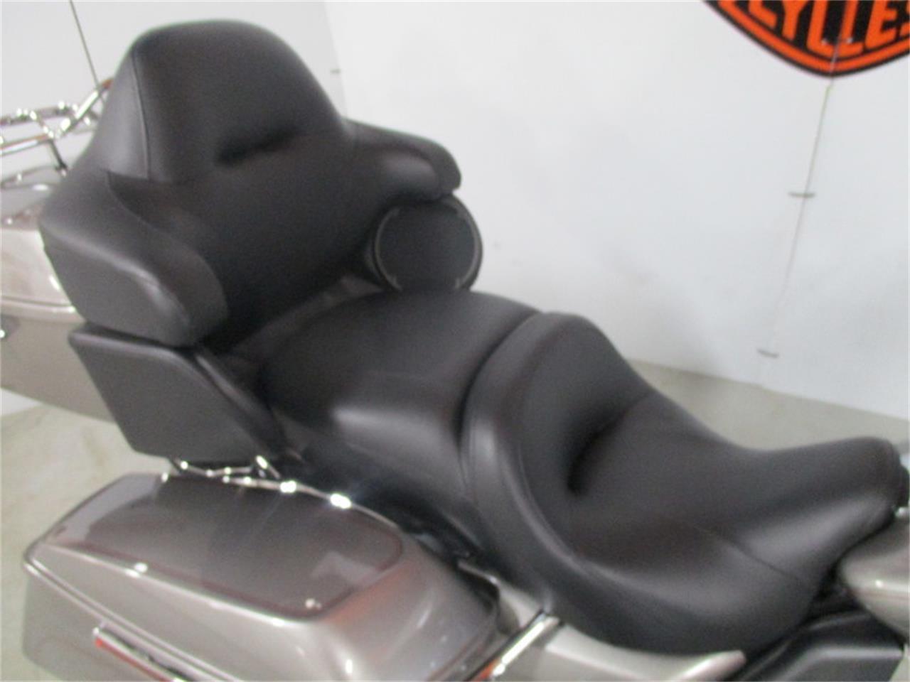 Large Picture of '16 FLHTCU - Electra Glide® Ultra Classic® - M9DO