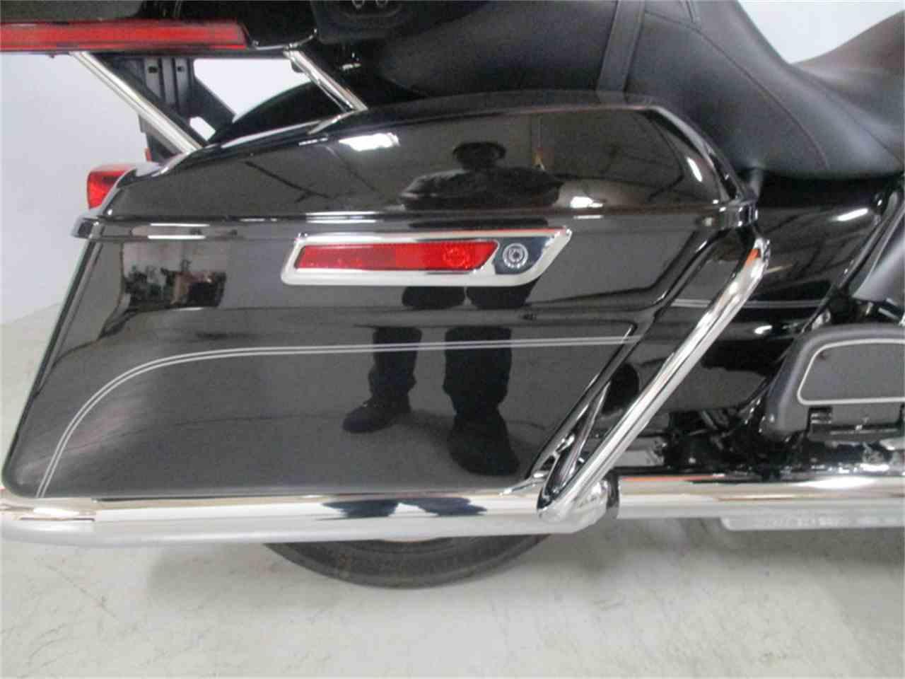 Large Picture of '16 FLHTCU - Electra Glide® Ultra Classic® - M9DY