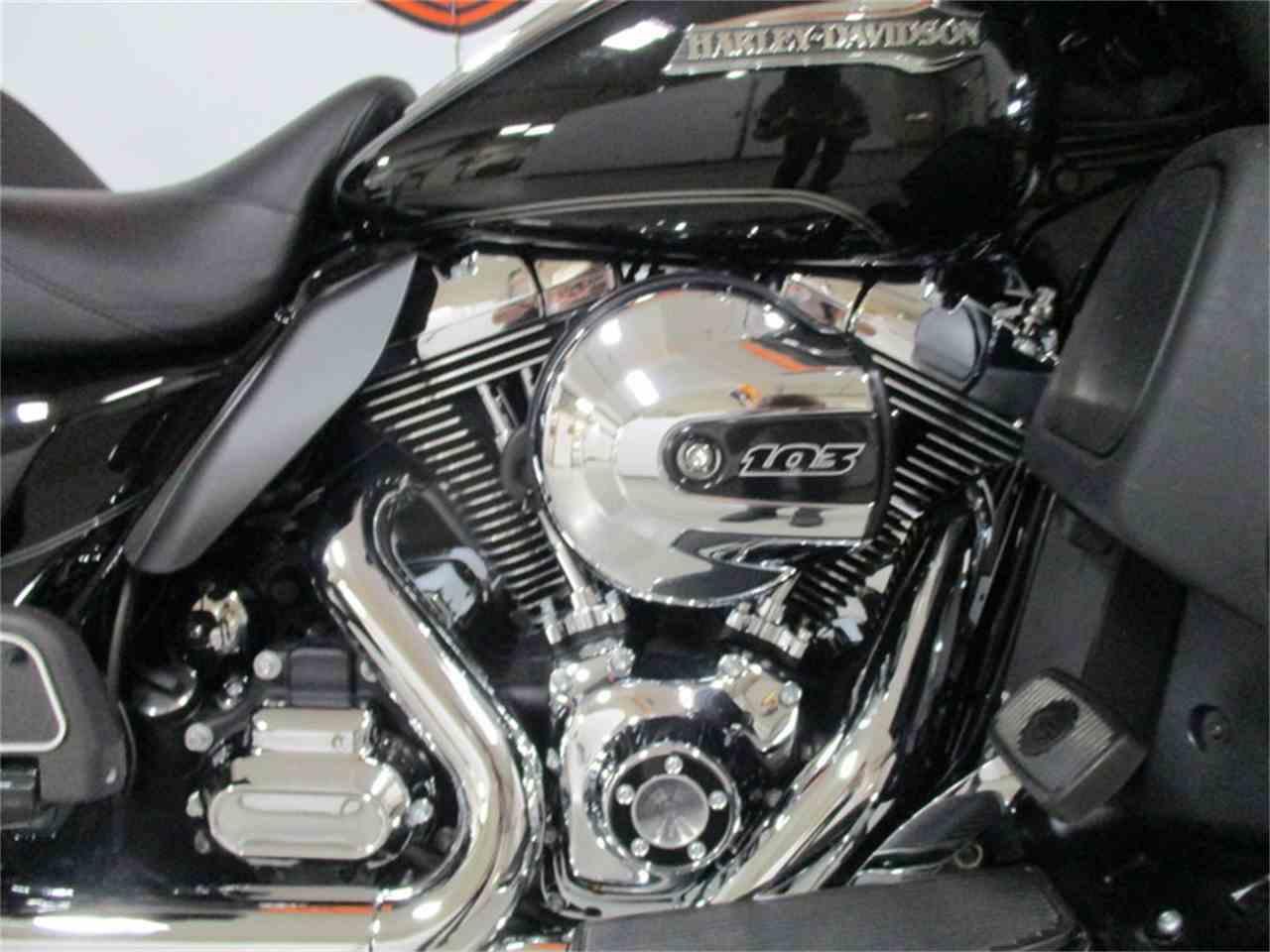 Large Picture of '16 FLHTCU - Electra Glide® Ultra Classic® - M9ED