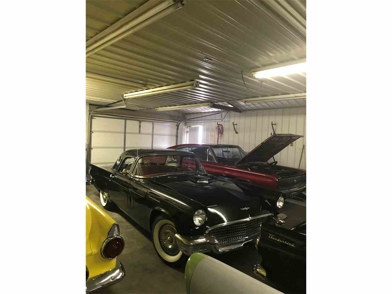 Large Picture of '57 Thunderbird - M9II