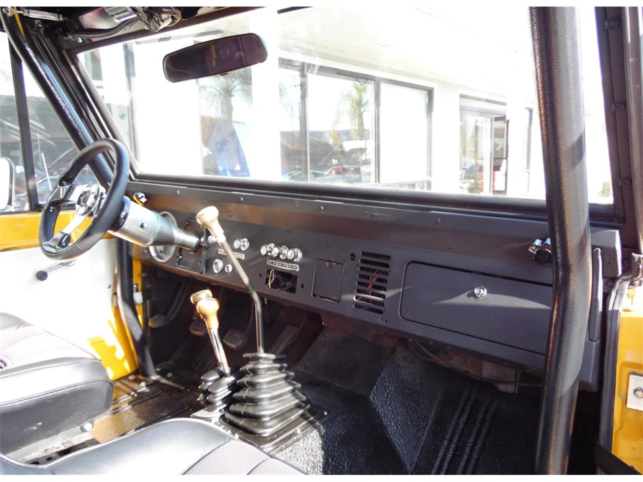 Large Picture of '74 Bronco located in California - M9JB