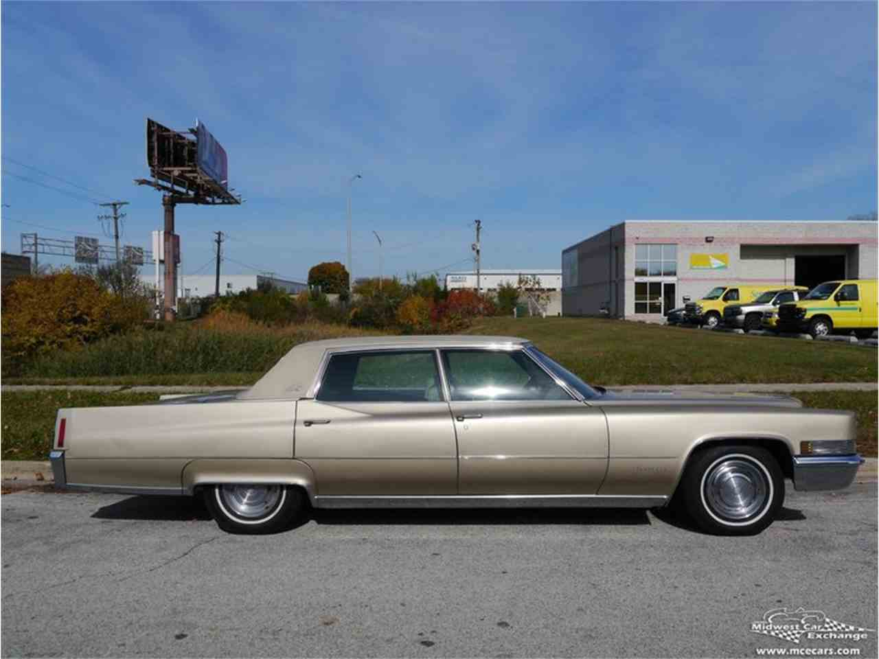 Large Picture of Classic '70 Fleetwood Brougham - $12,900.00 Offered by Midwest Car Exchange - M9KI