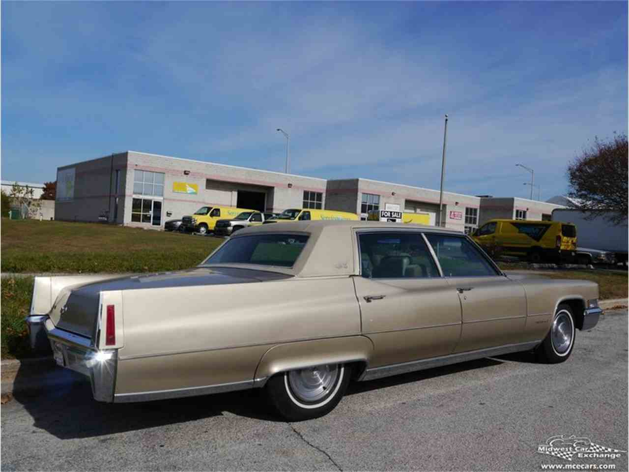 Large Picture of 1970 Cadillac Fleetwood Brougham - $12,900.00 Offered by Midwest Car Exchange - M9KI