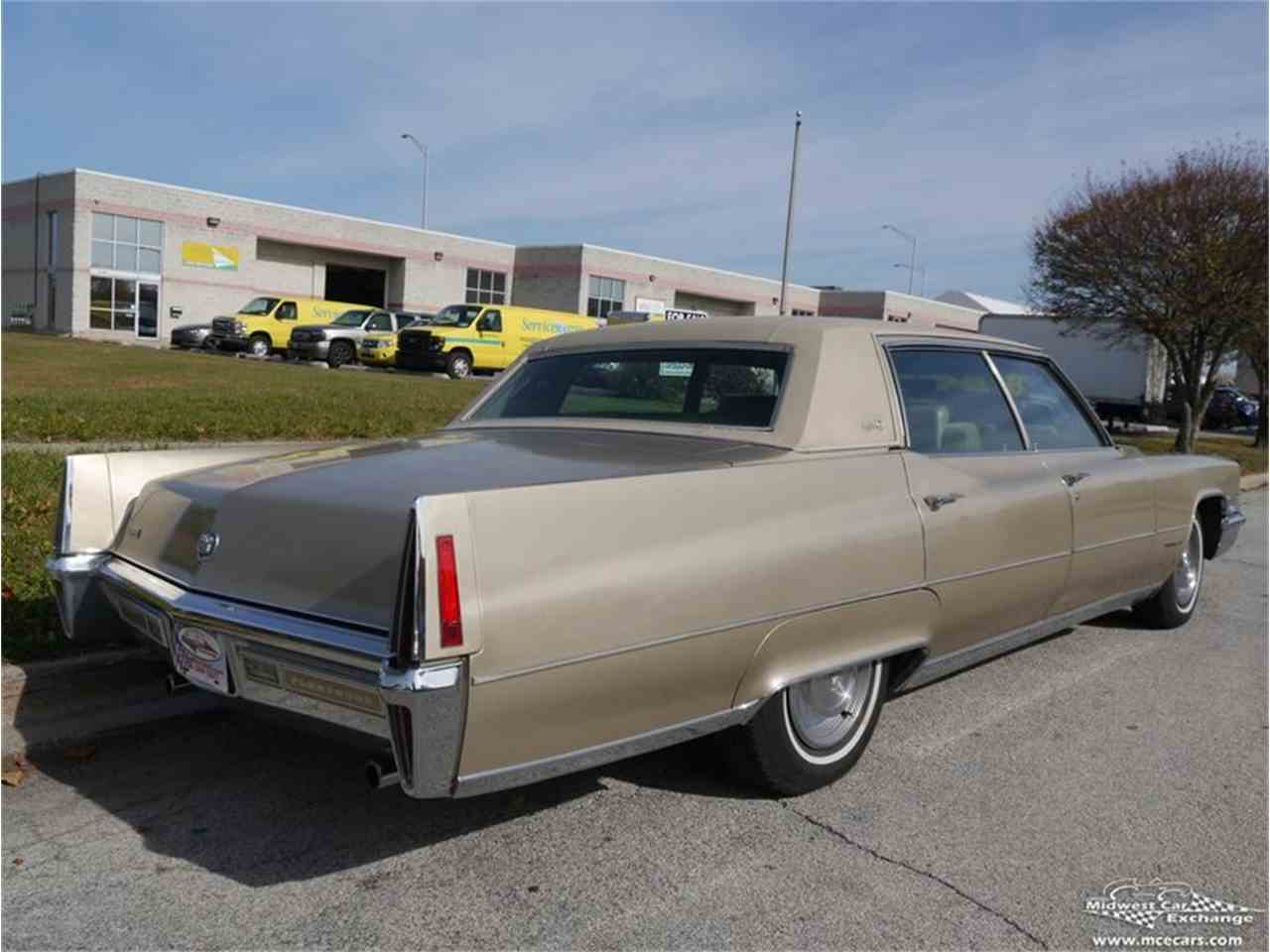 Large Picture of '70 Cadillac Fleetwood Brougham Offered by Midwest Car Exchange - M9KI