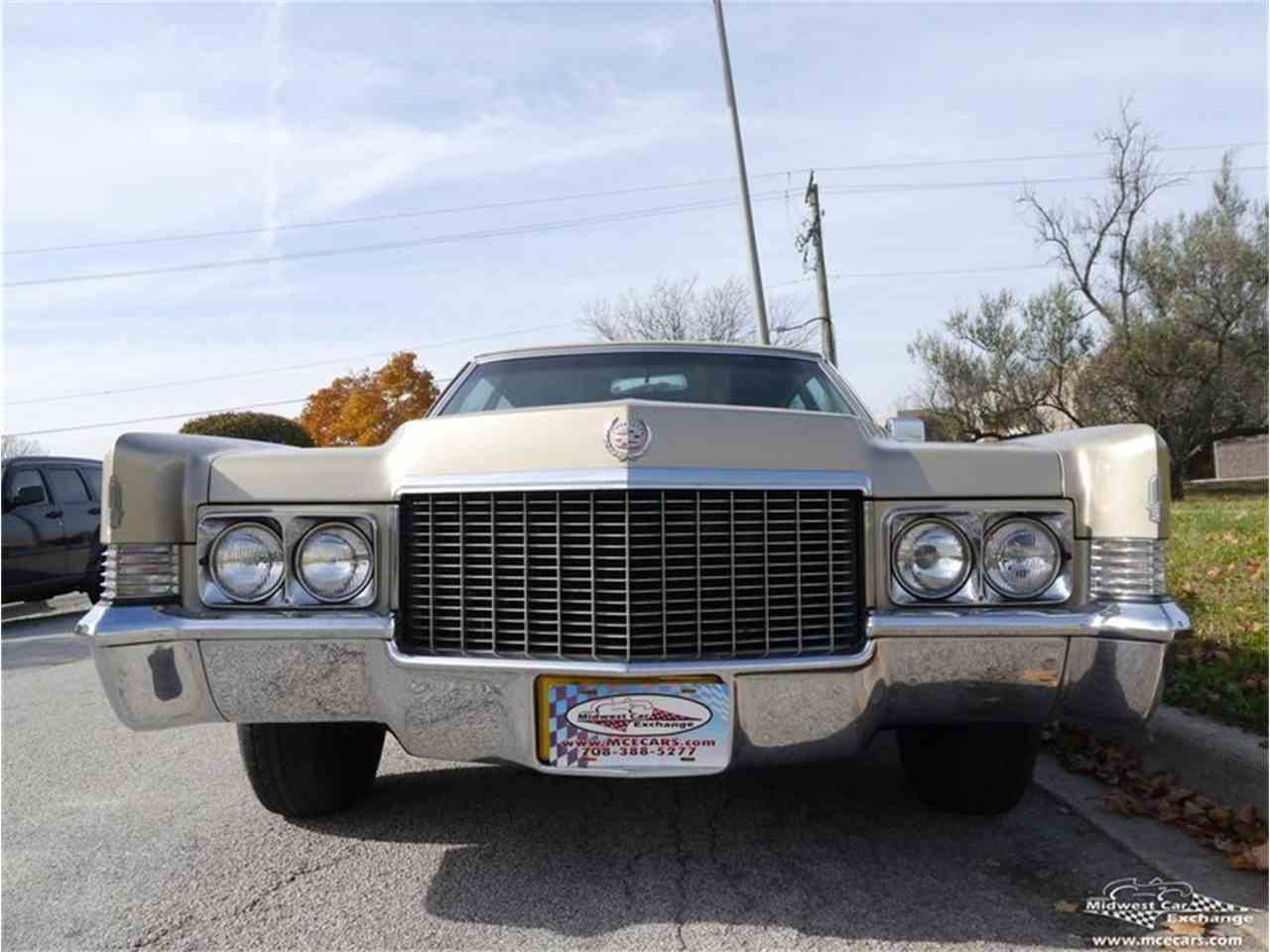 Large Picture of Classic 1970 Cadillac Fleetwood Brougham located in Illinois - $12,900.00 Offered by Midwest Car Exchange - M9KI