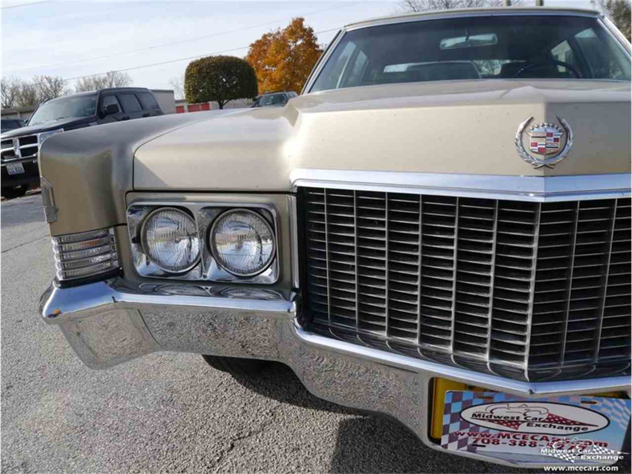 Large Picture of '70 Cadillac Fleetwood Brougham - $12,900.00 Offered by Midwest Car Exchange - M9KI