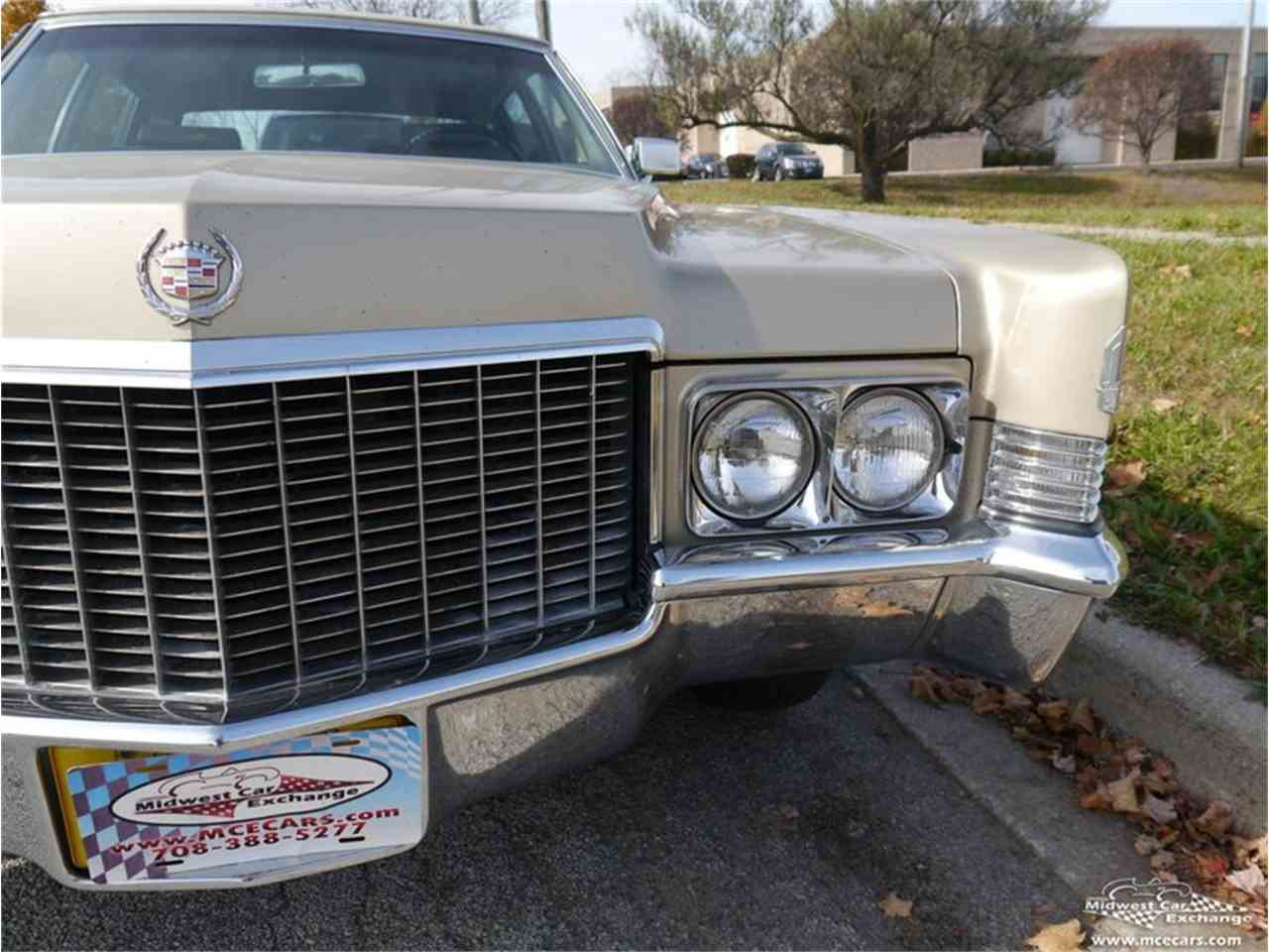 Large Picture of Classic 1970 Cadillac Fleetwood Brougham located in Alsip Illinois - $12,900.00 - M9KI