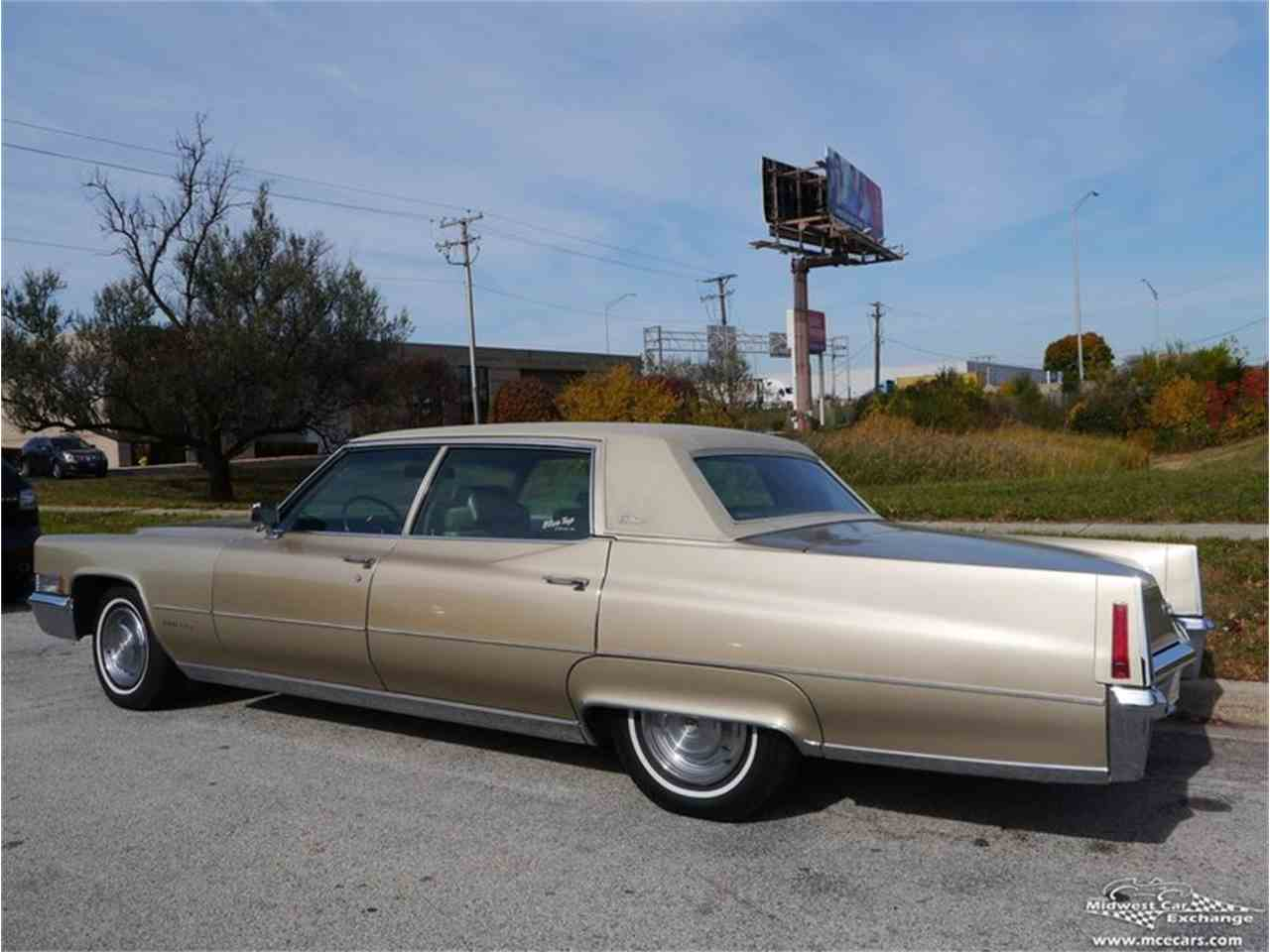 Large Picture of Classic 1970 Fleetwood Brougham - $12,900.00 Offered by Midwest Car Exchange - M9KI