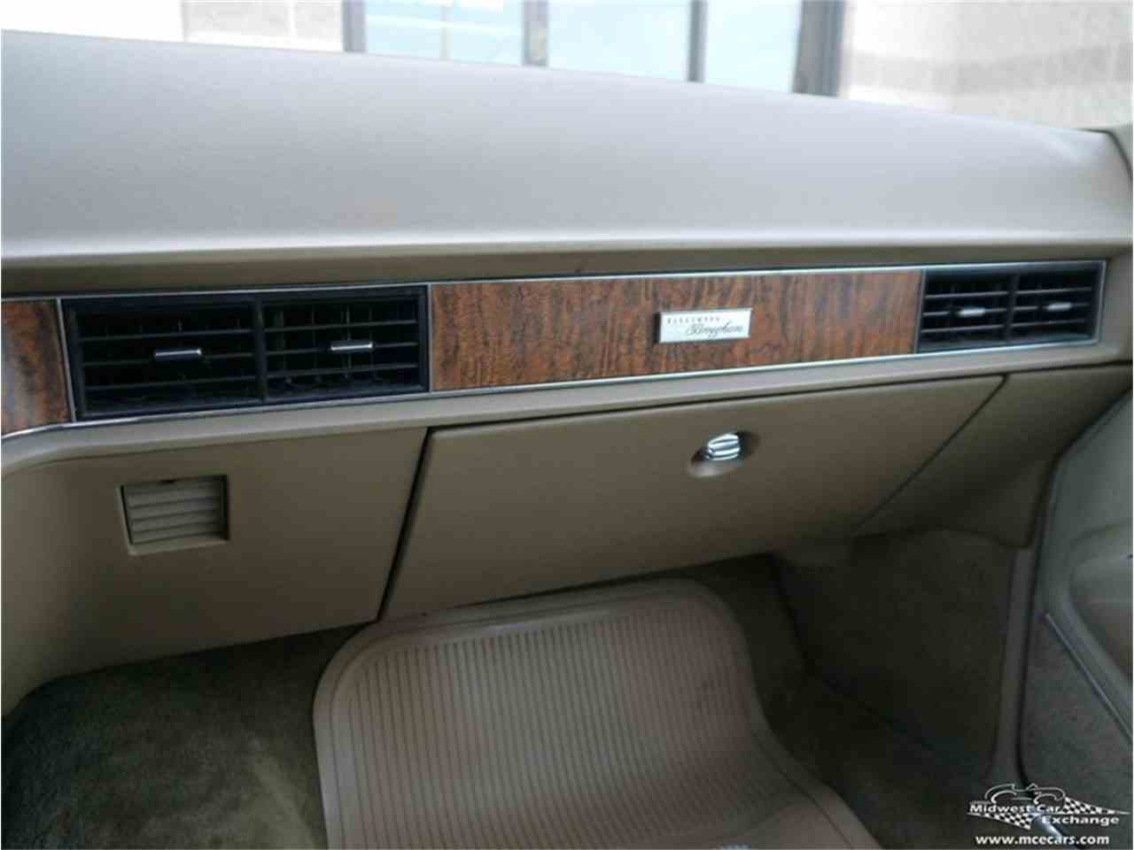 Large Picture of '70 Cadillac Fleetwood Brougham located in Illinois Offered by Midwest Car Exchange - M9KI