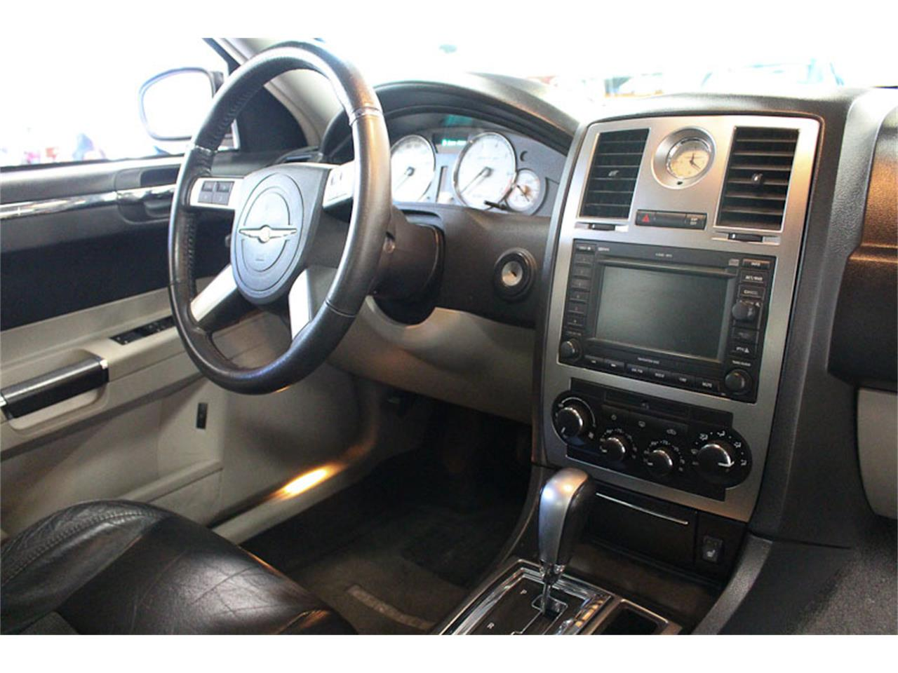 Large Picture of '07 Chrysler 300 located in Fairfield California - $9,900.00 - M9O4