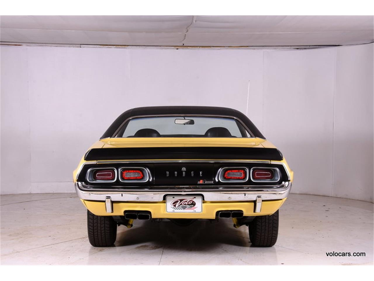 Large Picture of '72 Challenger - M9OG