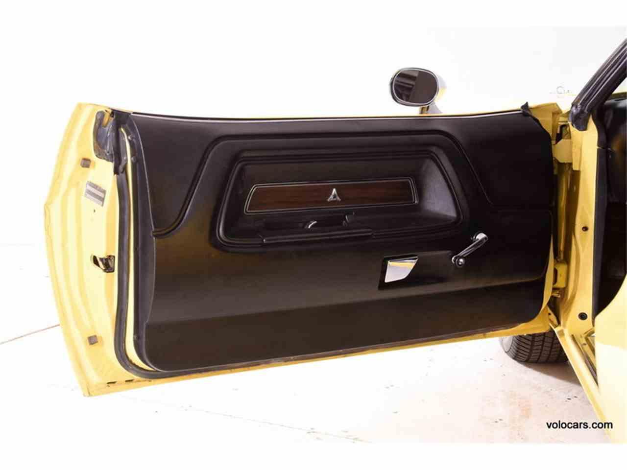 Large Picture of '72 Challenger - M9OG