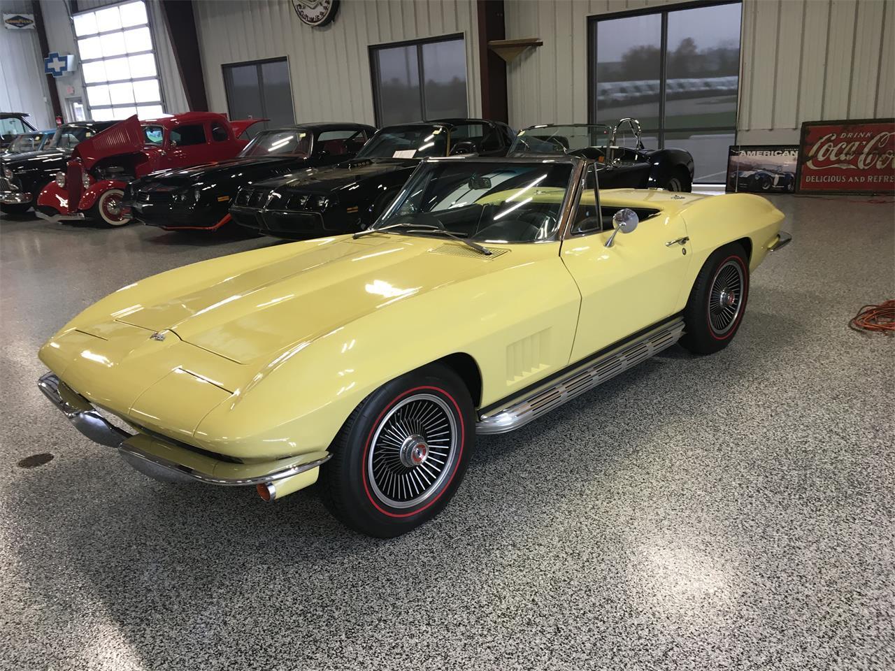 Large Picture of 1967 Corvette - M9R8