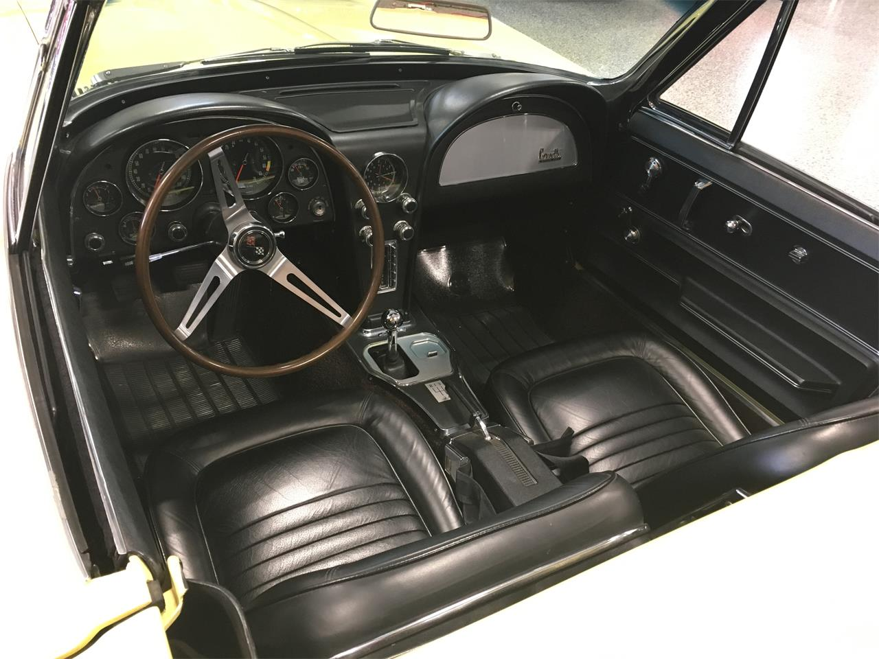 Large Picture of Classic 1967 Chevrolet Corvette located in Hamilton Ohio - $79,900.00 Offered by Special Interest Auto Sales LLC  - M9R8