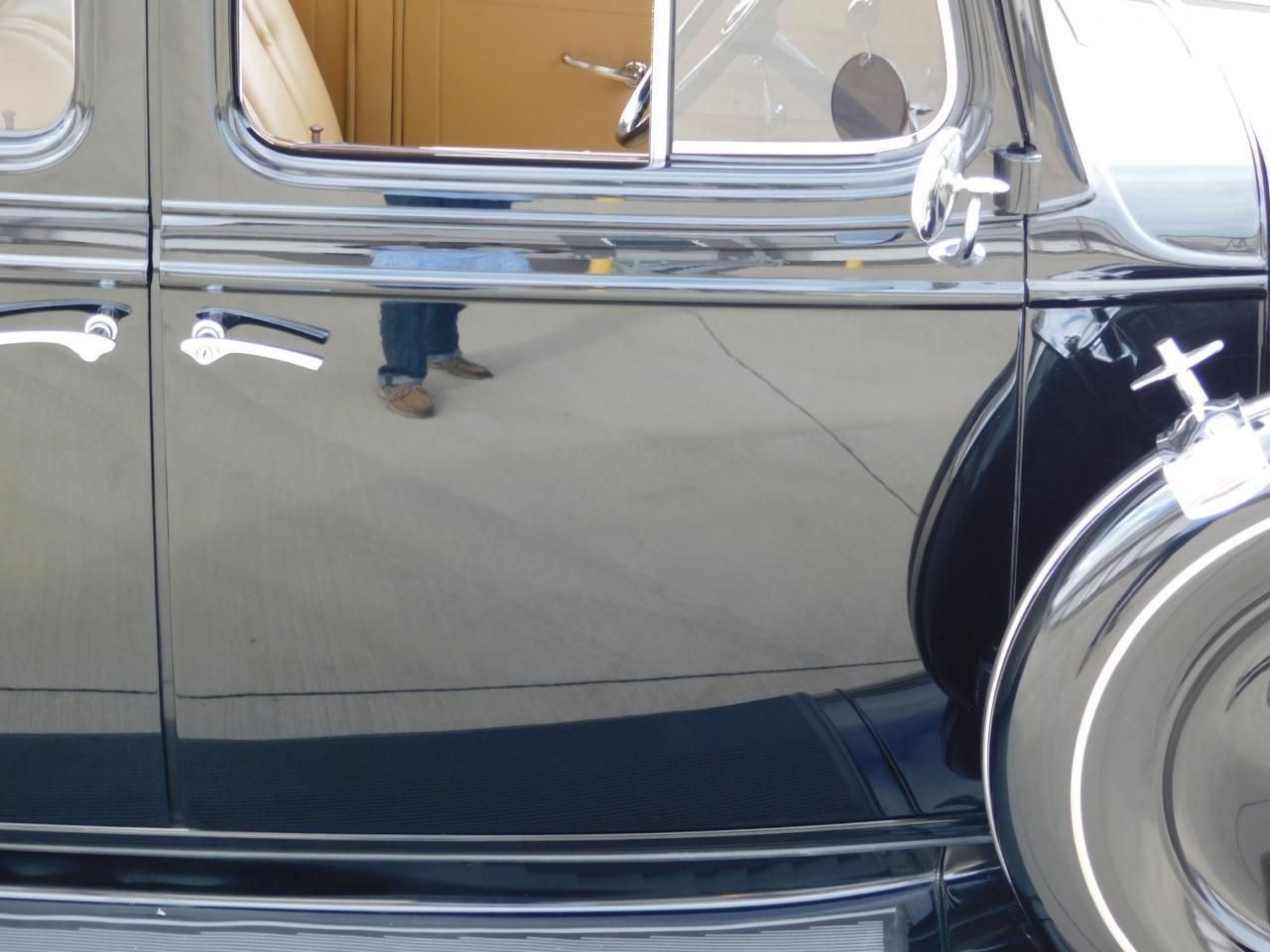 Large Picture of '33 Sedan - M9TJ