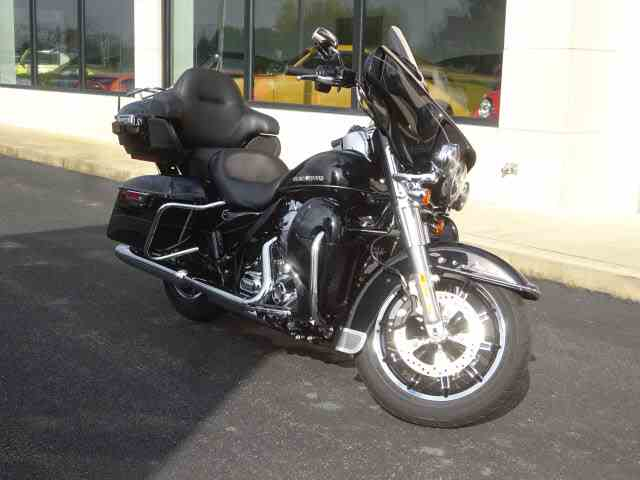 Picture of 2015 Harley-Davidson FLHTKL located in Marysville Ohio - $22,999.00 Offered by  - M9UY