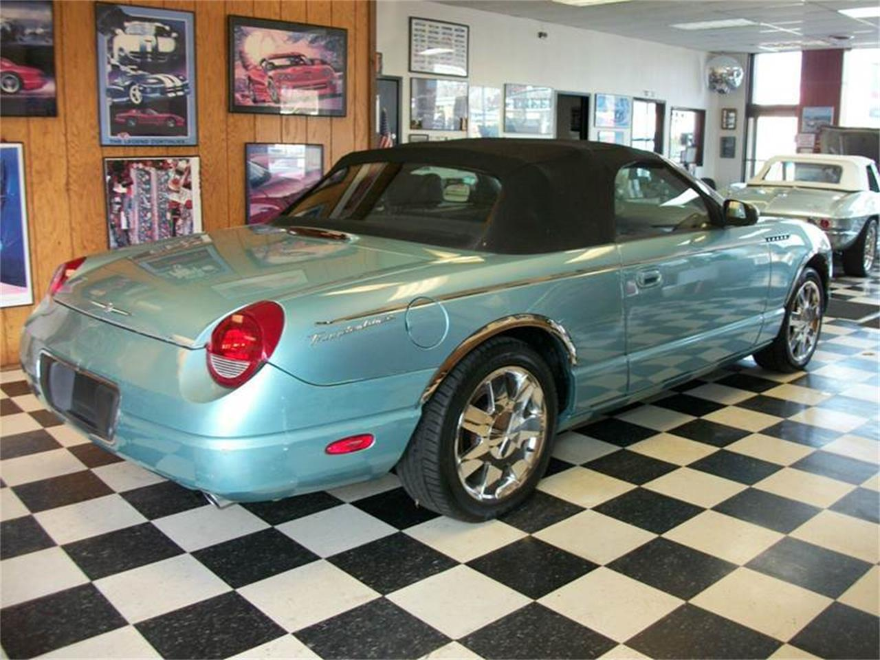 Large Picture of '02 Thunderbird - M9ZJ