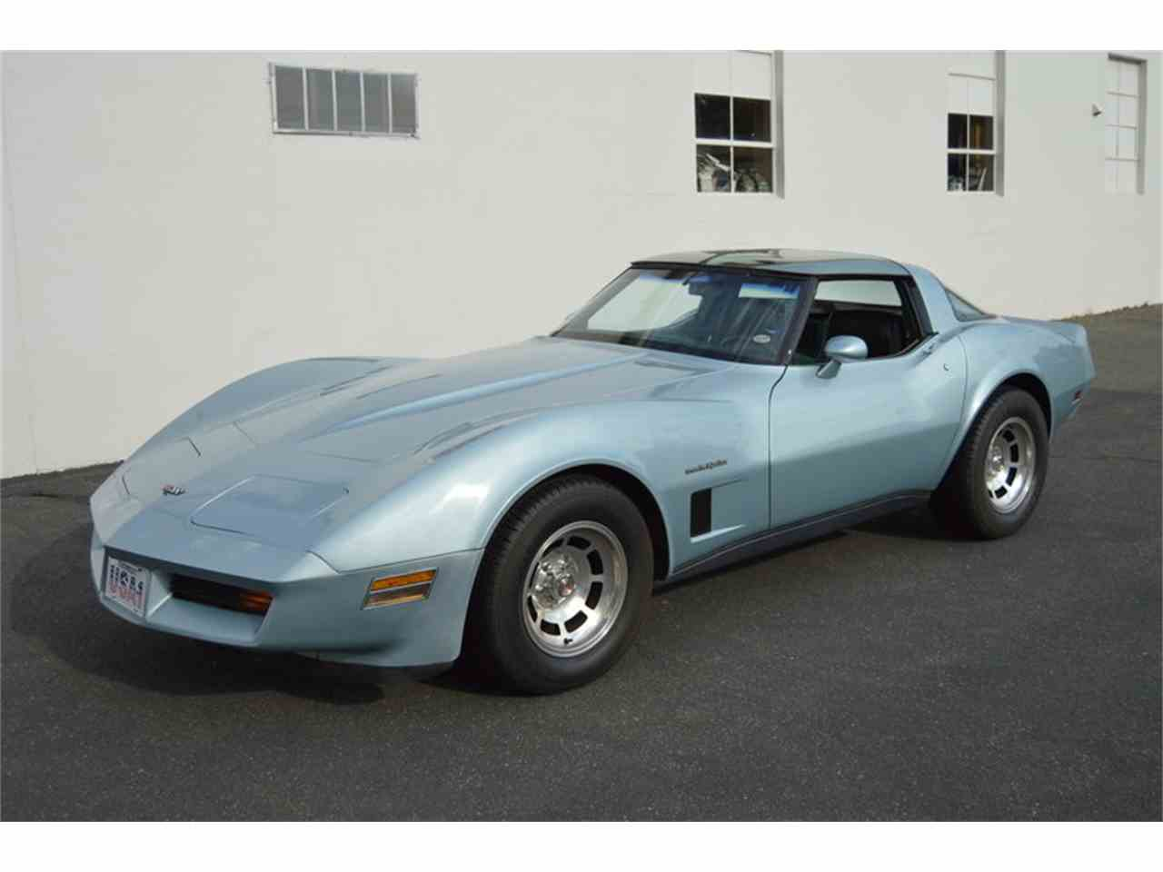Large Picture of '82 Corvette - MA00