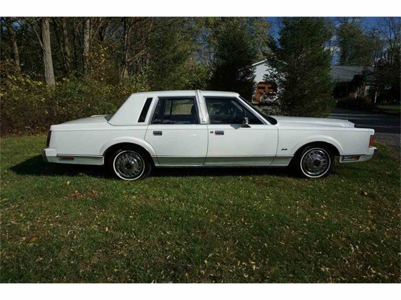 Large Picture of '89 Town Car located in Monroe New Jersey - $7,950.00 - MA1A