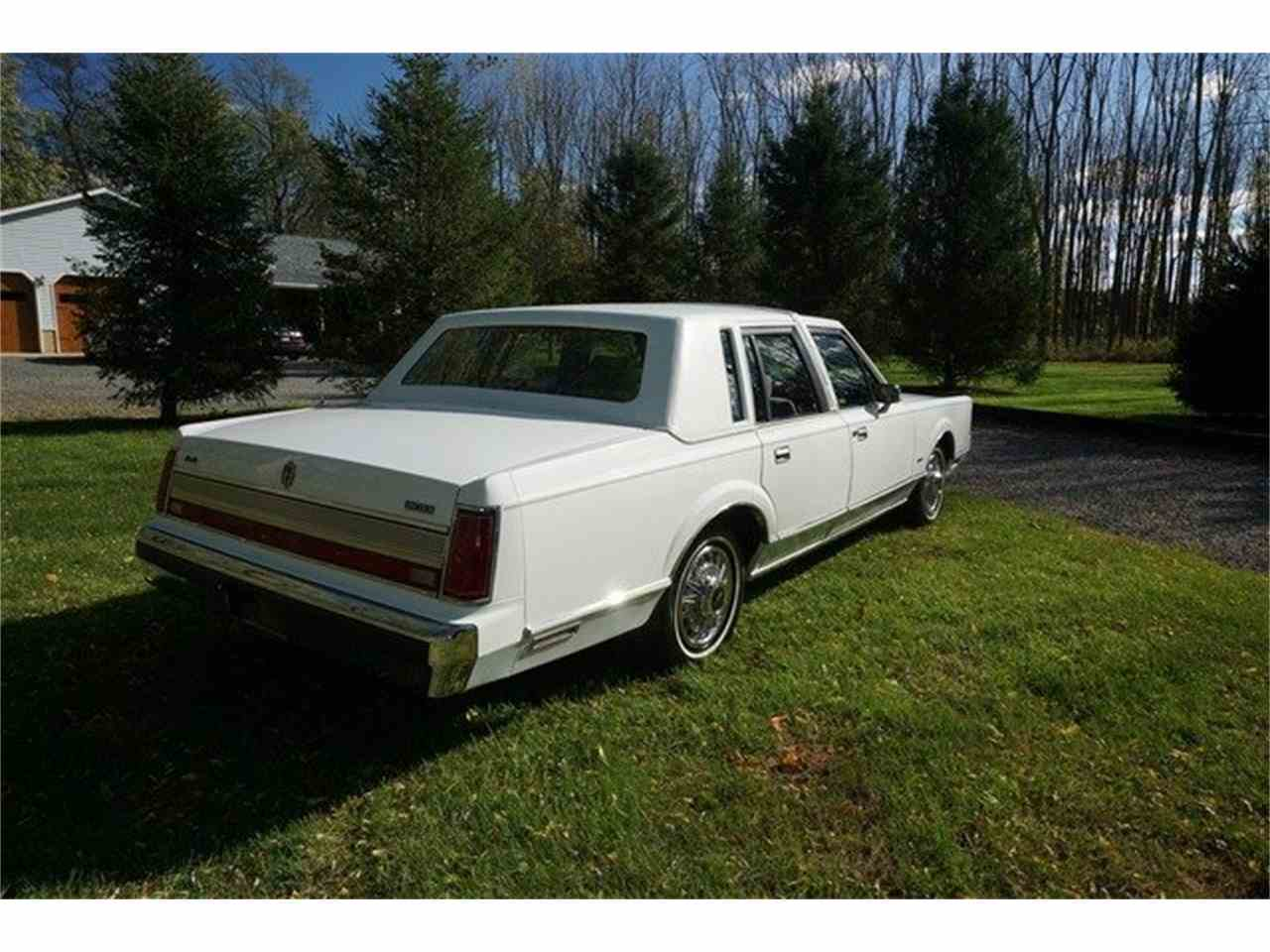 Large Picture of '89 Lincoln Town Car located in Monroe New Jersey Offered by Lance Motors - MA1A