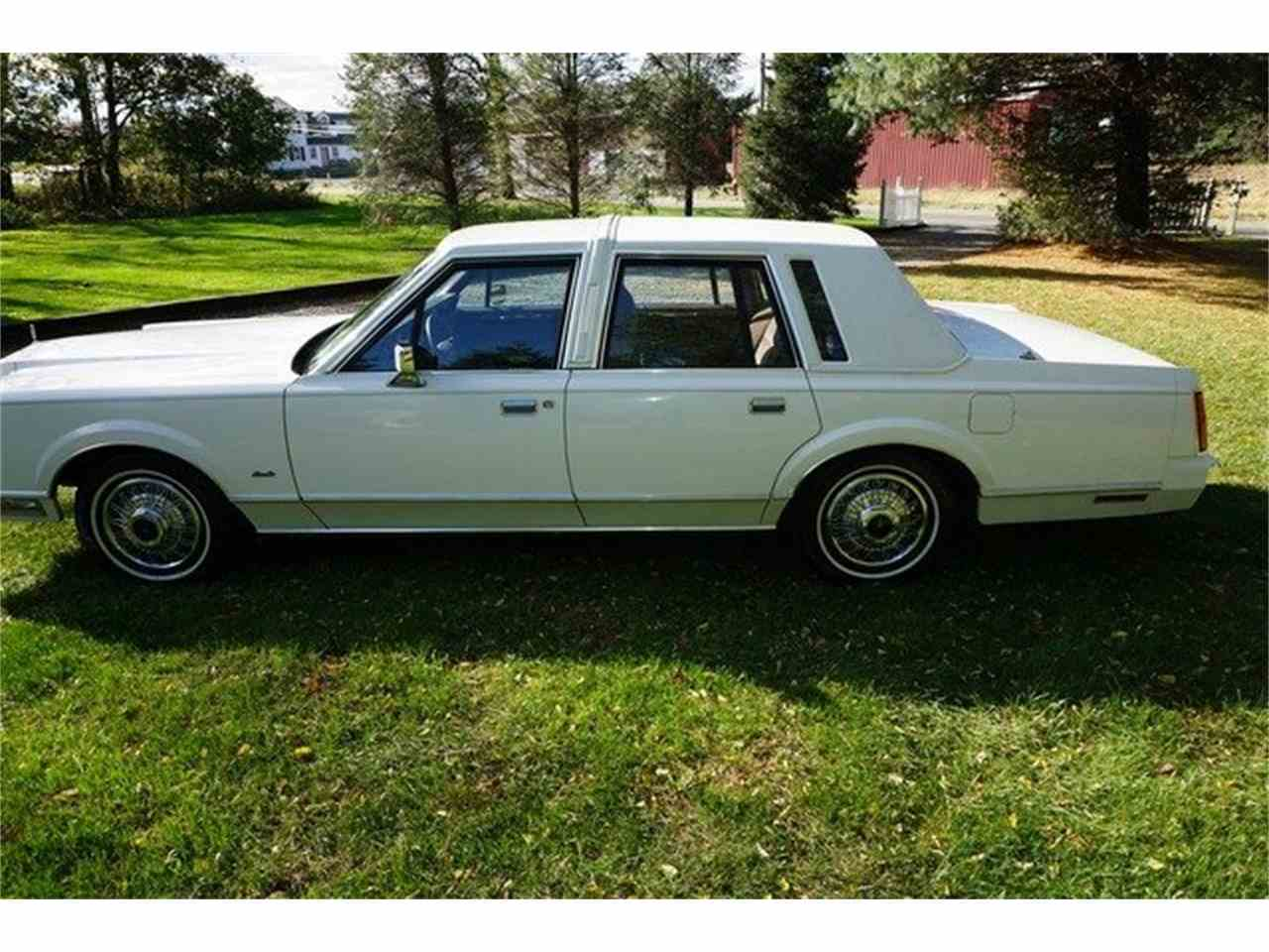 Large Picture of 1989 Town Car located in Monroe New Jersey - MA1A