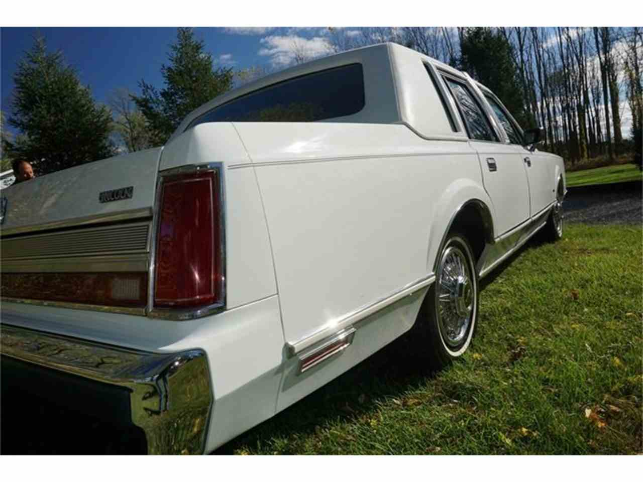 Large Picture of 1989 Lincoln Town Car located in Monroe New Jersey Offered by Lance Motors - MA1A