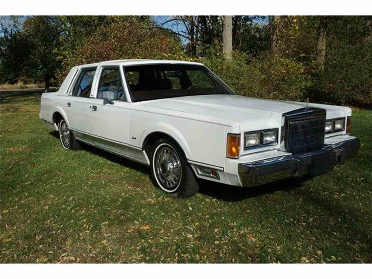 Large Picture of 1989 Lincoln Town Car located in New Jersey - MA1A