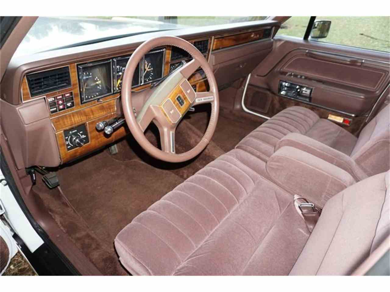 Large Picture of 1989 Lincoln Town Car - $7,950.00 - MA1A