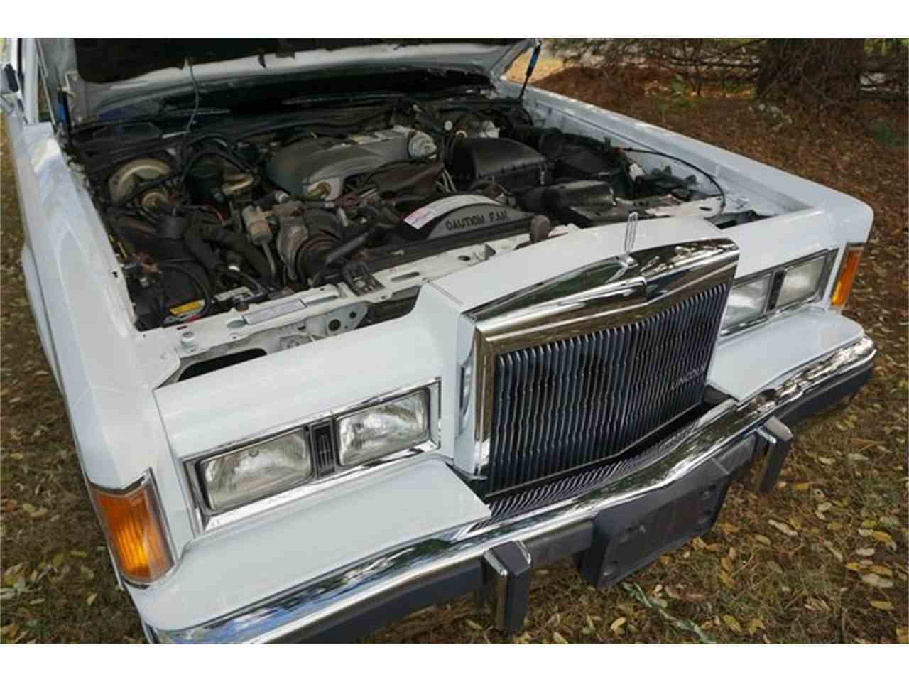 Large Picture of '89 Town Car - $7,950.00 - MA1A