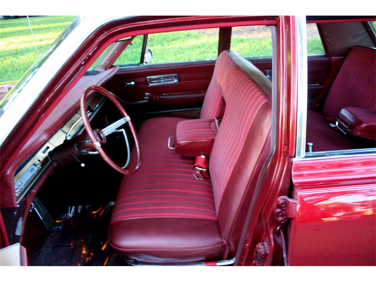Large Picture of Classic '68 Chrysler Imperial located in Lakeland Florida - MA1H