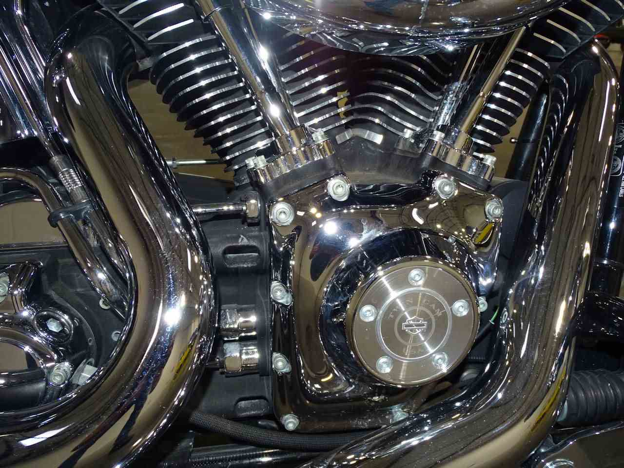 Large Picture of 2003 Harley-Davidson FXSTDI - MA4S