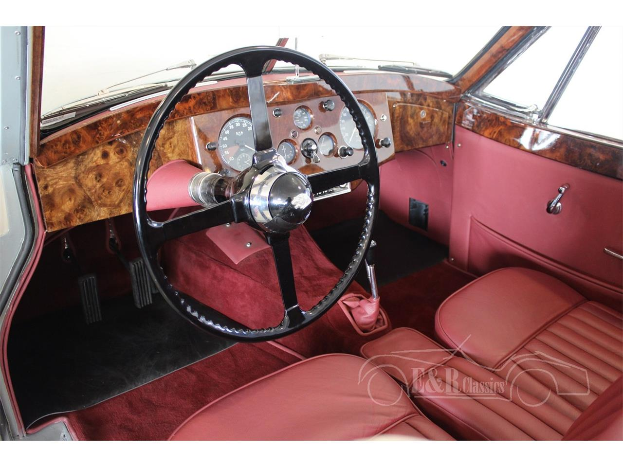 Large Picture of Classic 1954 Jaguar XK120 located in Waalwijk Noord Brabant - $174,800.00 Offered by E & R Classics - MA9M