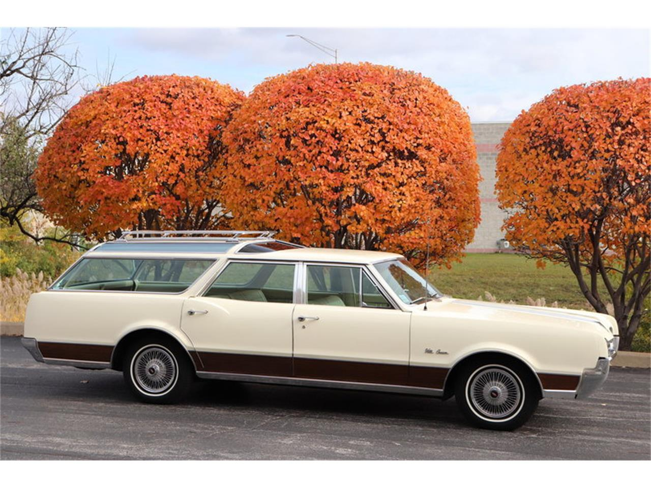 Large Picture of 1967 Vista Cruiser Offered by Midwest Car Exchange - MABL