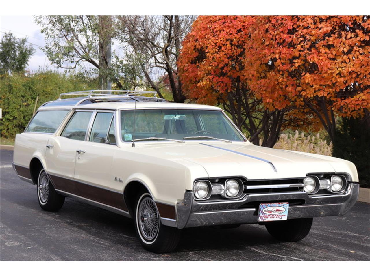 Large Picture of '67 Oldsmobile Vista Cruiser located in Illinois - $19,900.00 - MABL