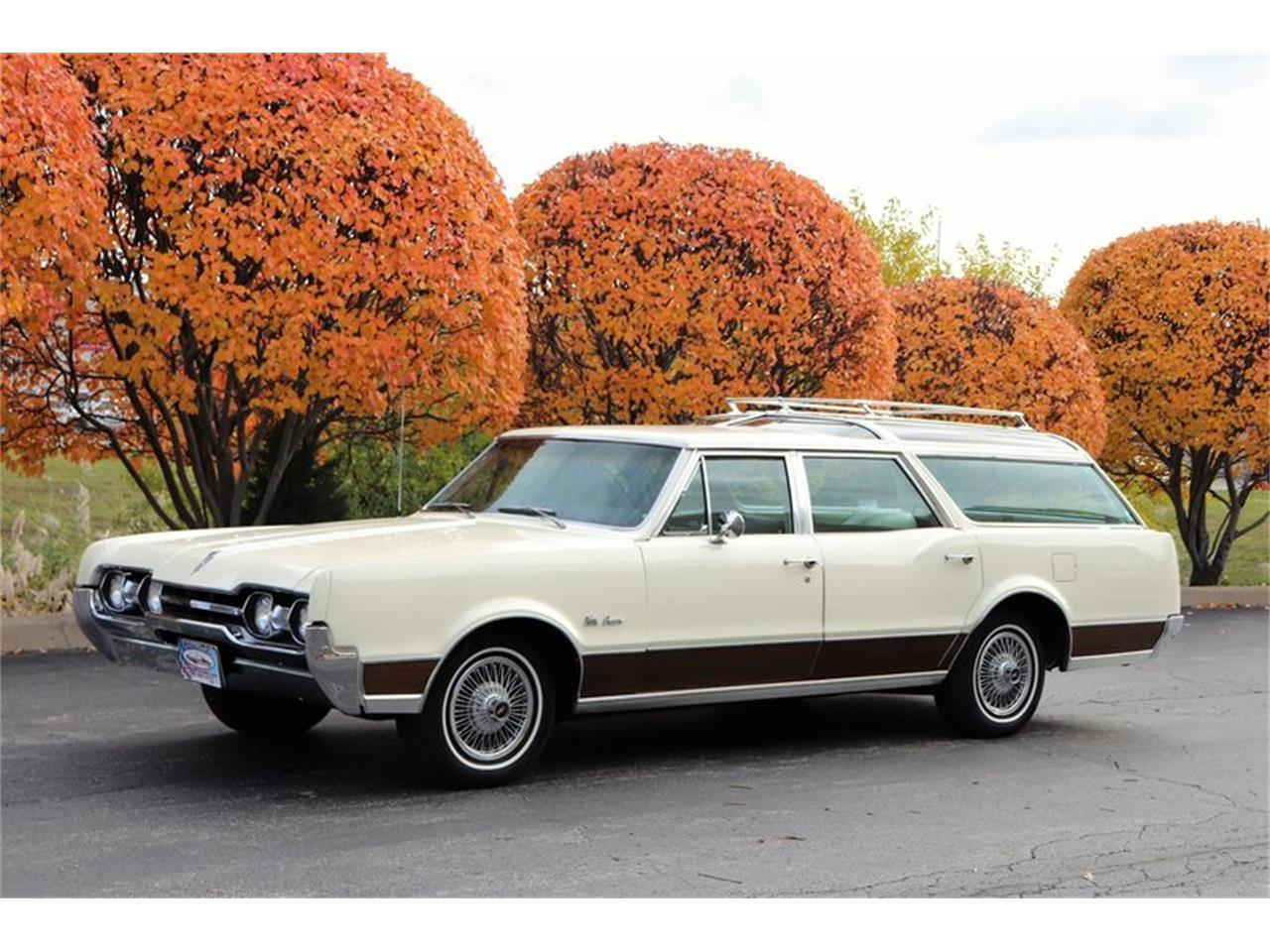 Large Picture of 1967 Vista Cruiser - MABL