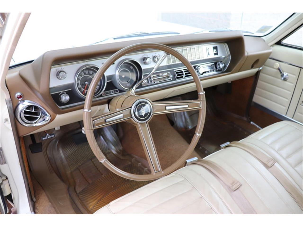 Large Picture of Classic 1967 Vista Cruiser located in Alsip Illinois Offered by Midwest Car Exchange - MABL