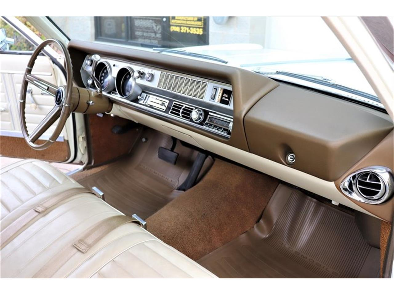 Large Picture of '67 Oldsmobile Vista Cruiser Offered by Midwest Car Exchange - MABL