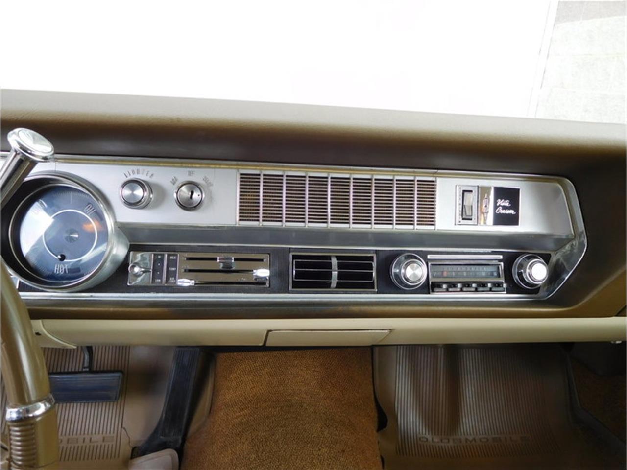Large Picture of Classic '67 Vista Cruiser located in Alsip Illinois - $19,900.00 - MABL