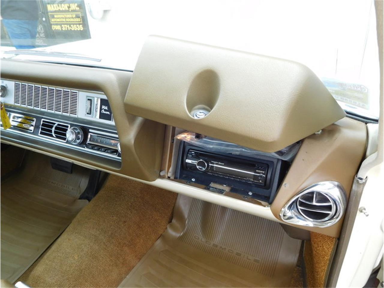 Large Picture of Classic 1967 Oldsmobile Vista Cruiser located in Alsip Illinois - $19,900.00 - MABL