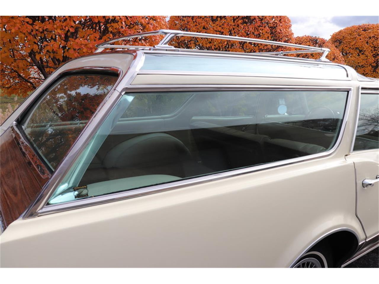 Large Picture of Classic '67 Oldsmobile Vista Cruiser located in Illinois - MABL