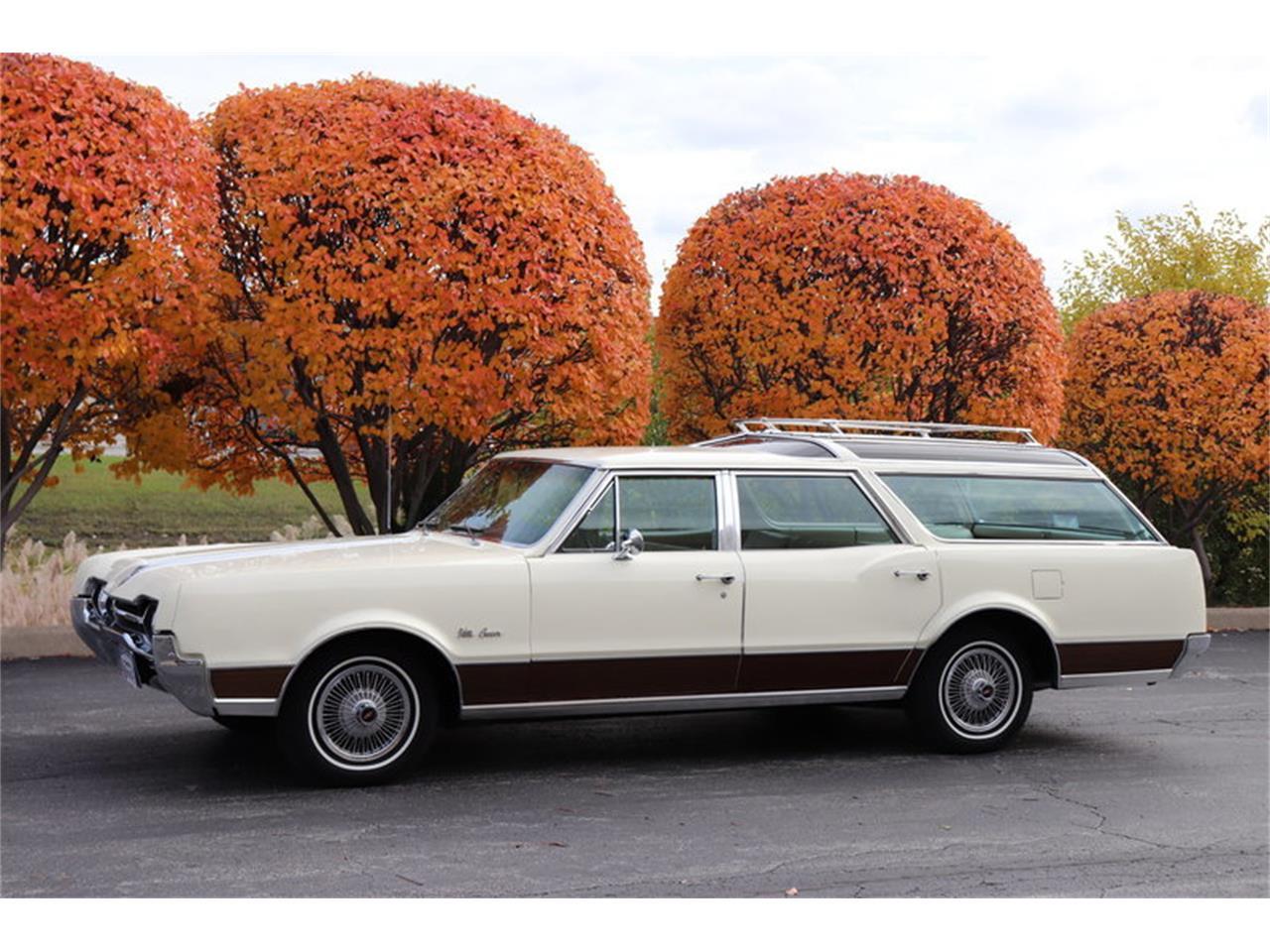 Large Picture of '67 Oldsmobile Vista Cruiser - $19,900.00 - MABL