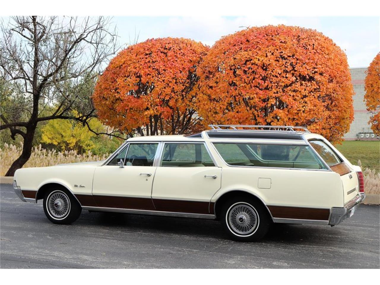 Large Picture of '67 Oldsmobile Vista Cruiser located in Alsip Illinois - $19,900.00 Offered by Midwest Car Exchange - MABL