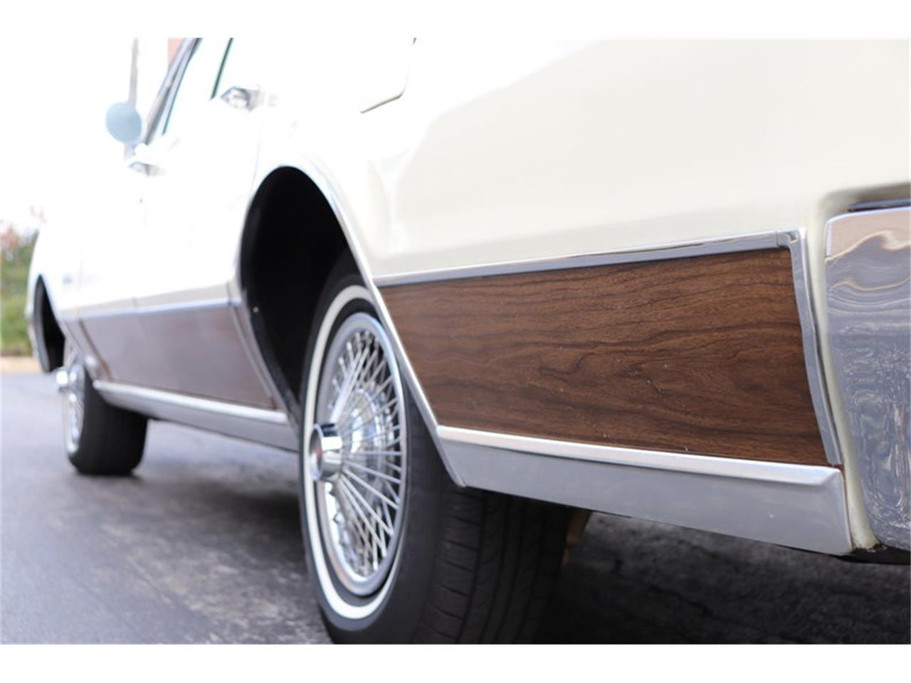 Large Picture of Classic '67 Oldsmobile Vista Cruiser Offered by Midwest Car Exchange - MABL