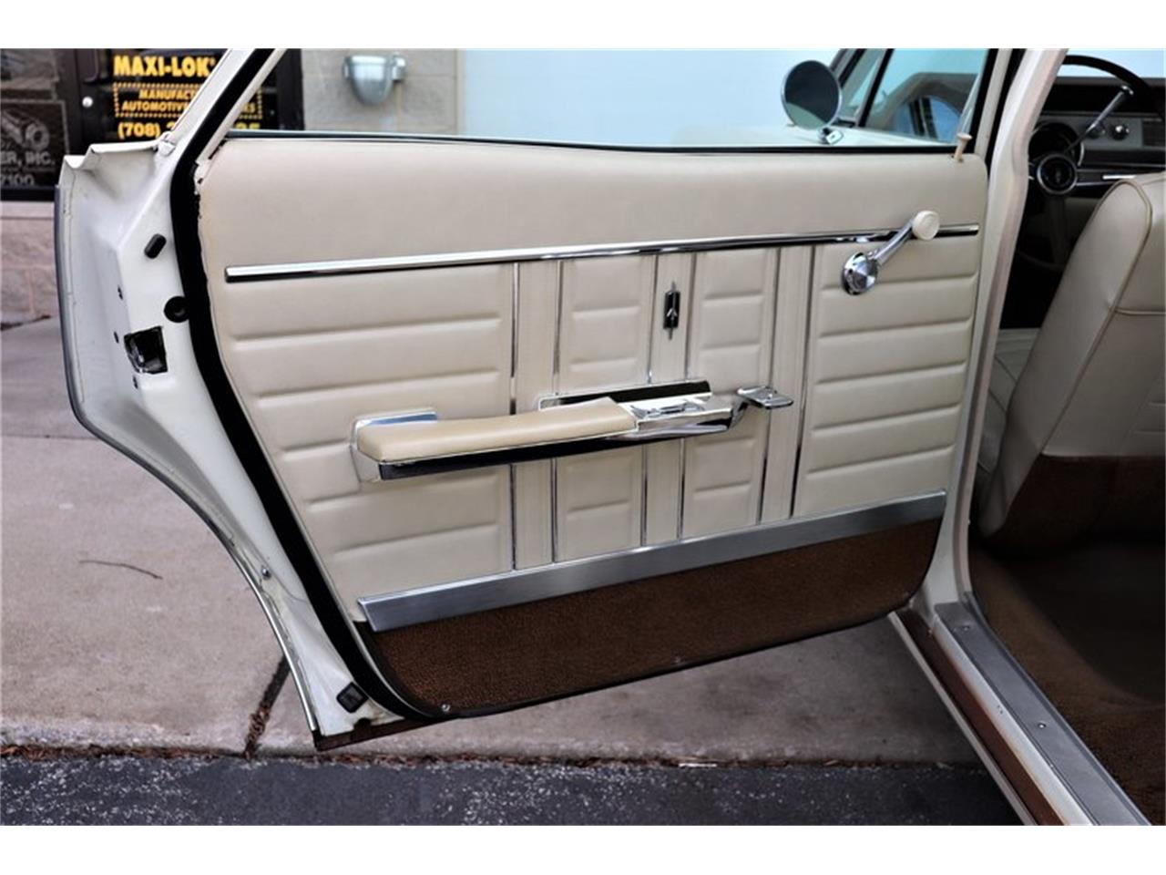 Large Picture of 1967 Oldsmobile Vista Cruiser Offered by Midwest Car Exchange - MABL