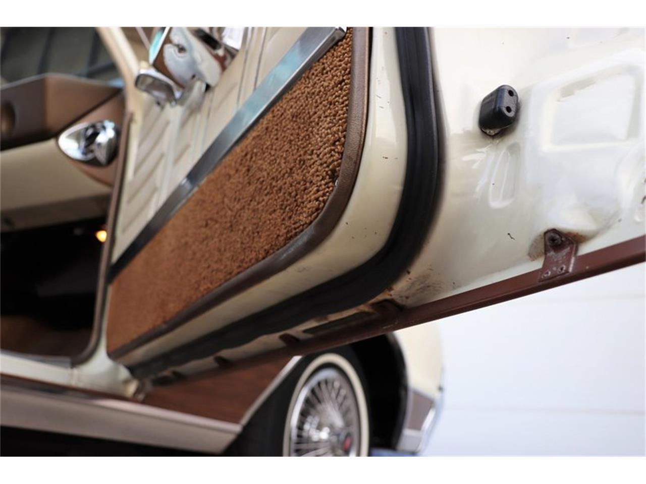 Large Picture of Classic 1967 Vista Cruiser located in Alsip Illinois - MABL