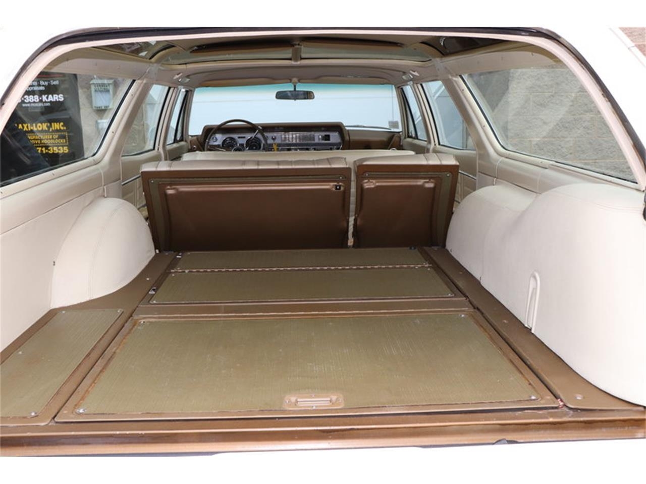 Large Picture of '67 Vista Cruiser - $19,900.00 Offered by Midwest Car Exchange - MABL