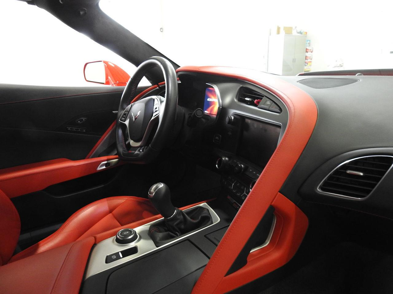 Large Picture of '15 Corvette Offered by Gateway Classic Cars - Milwaukee - MAC7