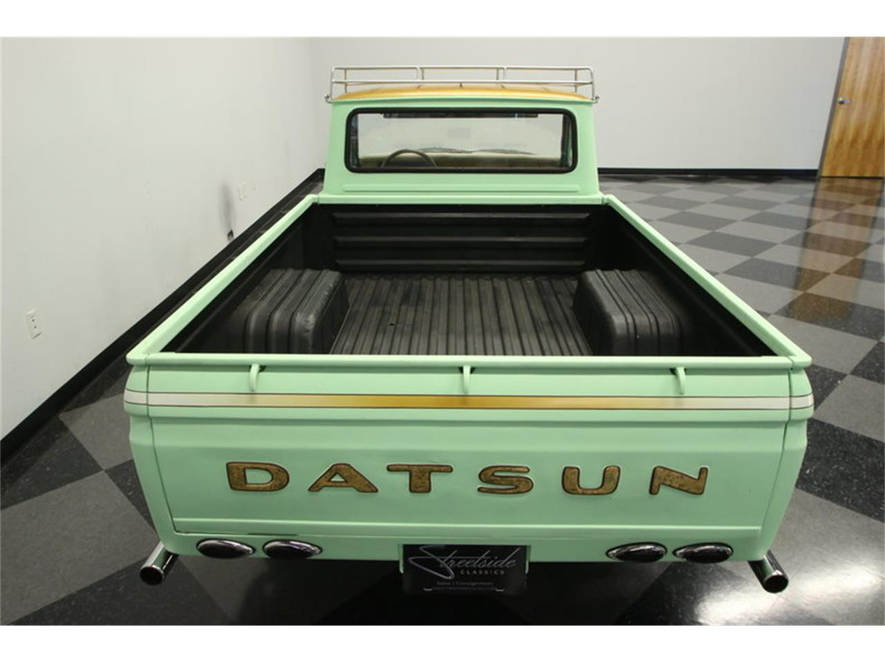 Large Picture of '72 Datsun 1600 520 Pickup - $9,995.00 - MB90