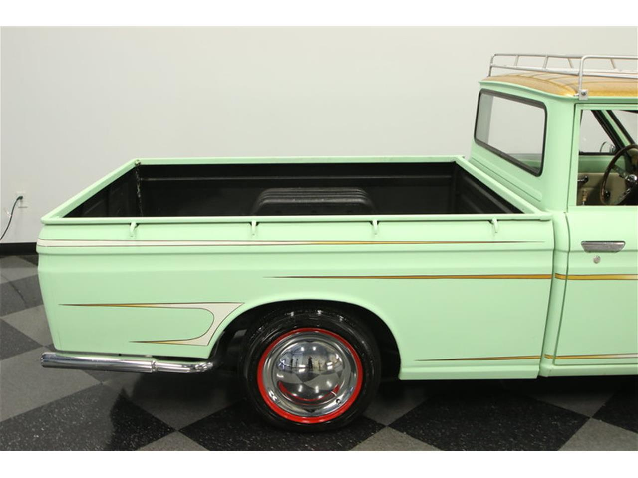 Large Picture of '72 Datsun 1600 520 Pickup located in Lutz Florida - $9,995.00 - MB90