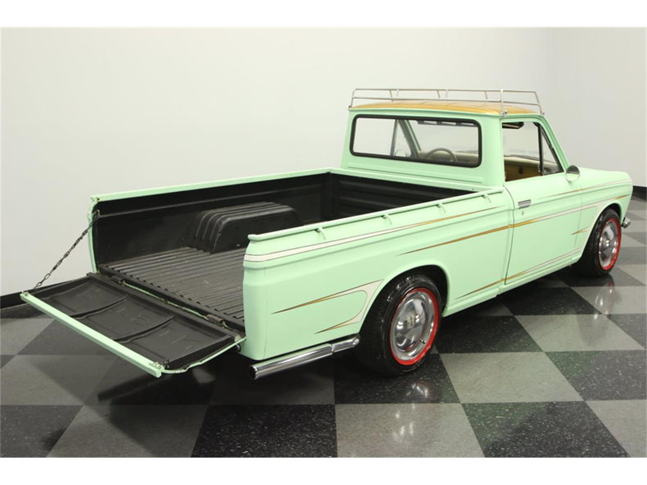 Large Picture of Classic 1972 1600 520 Pickup located in Florida - MB90